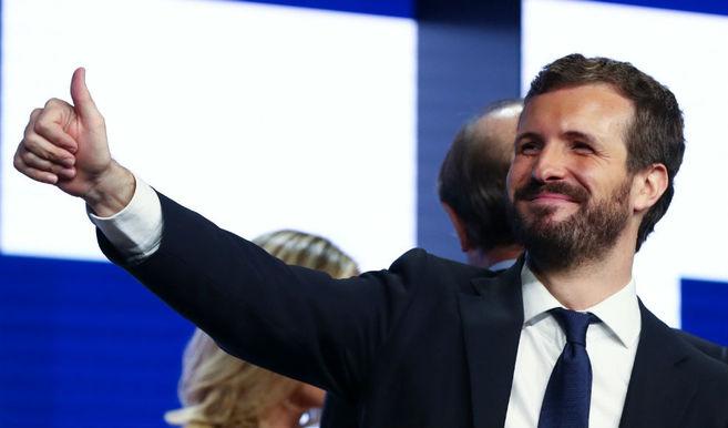 Pablo Casado pugna por presentarse ante el Rey tras el 10-N con más apoyos seguros que Pedro Sánchez