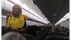 El divertido monólogo de un azafato de vuelo antes del despegue