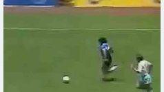 Gol de Maradona a Inglaterra conocido como el Gol del siglo