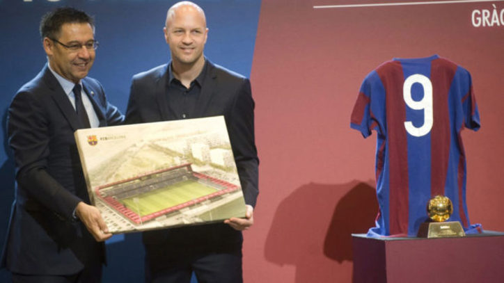 FC Barcelona  El Barcelona llamará Johan Cruyff al nuevo Mini Estadi ... 95cf8e72923