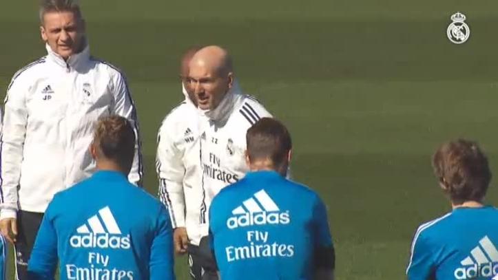 El Real Madrid realiza el primer entrenamiento dirigido por Zinedine Zidane 00e1afcdda146