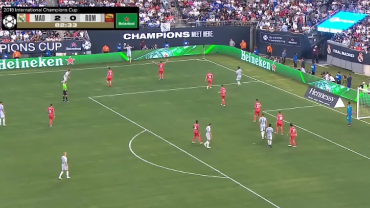 Así fue el debut de José León  casi marcó en un córner pero falló en el gol  de la Roma d27f47f18ac37