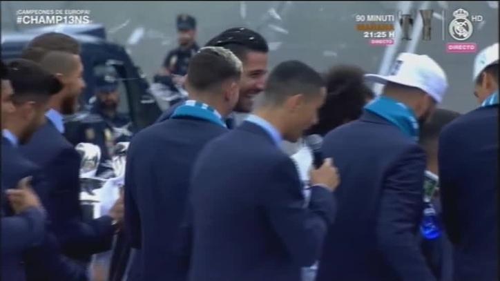 Real Madrid   Toque  de Ramos a Cristiano