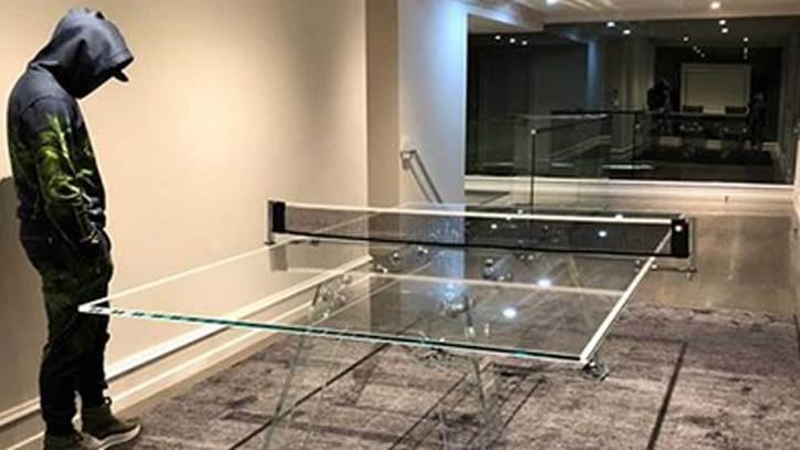 9b0eabe22 Boxeo  La mesa de ping-pong de cristal de 30.000 dólares de ...