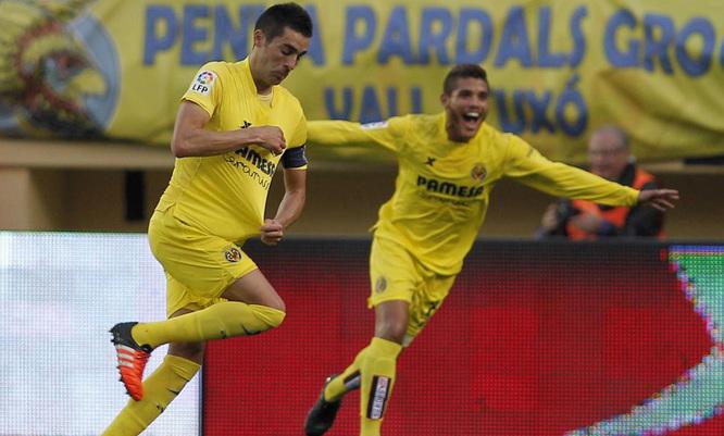 Se cumplió la lógica en el duelo regional de El Madrigal. Un Villarreal en  racha superó a un inconsistente Valencia que empieza a mirar desde muy  lejos sus ... 877ce07e3947a