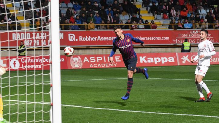 Cultural L. vs Barcelona  Lenglet salva un mal partido en León ... c6395951154dc