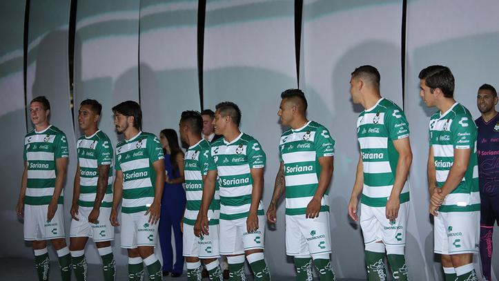 Liga MX  El Santos presenta su nueva piel  04eb9e5ab3112
