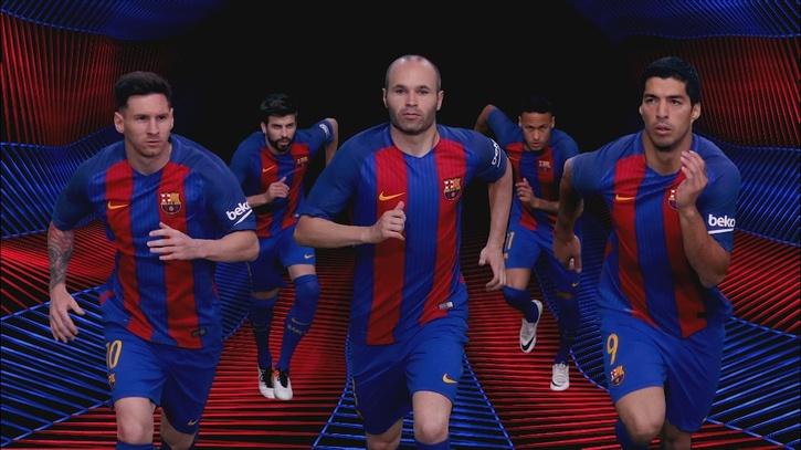 FC Barcelona  El Barcelona presenta la primera equipación para la ... 8ebe8dff54e