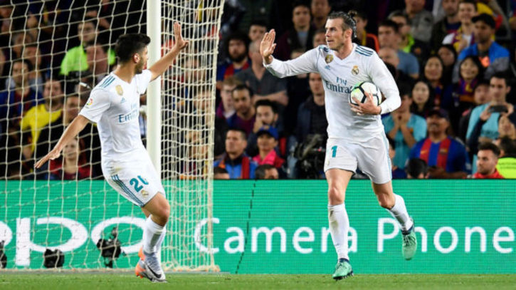 aa657a0aab Real Madrid  Sergio Ramos se llevó la última camiseta de Iniesta en ...