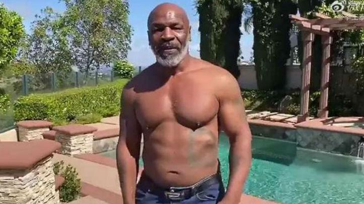 Boxeo: Mike Tyson presume de músculo y se vuelve loco haciendo ...