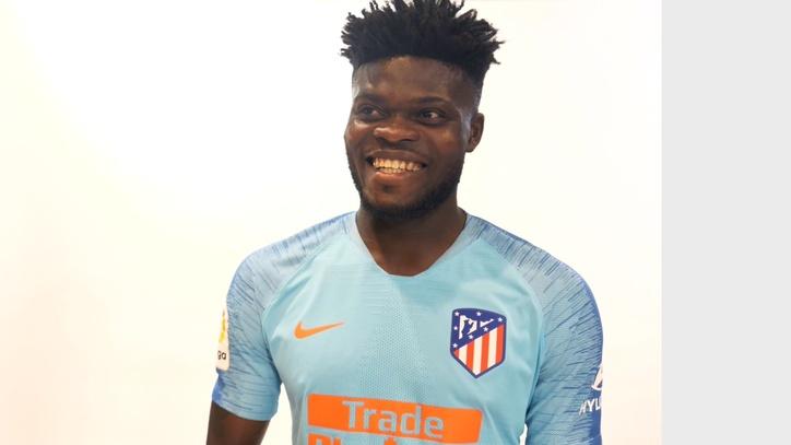 Atlético de Madrid  El Atlético presenta su segunda camiseta 77945da68475c