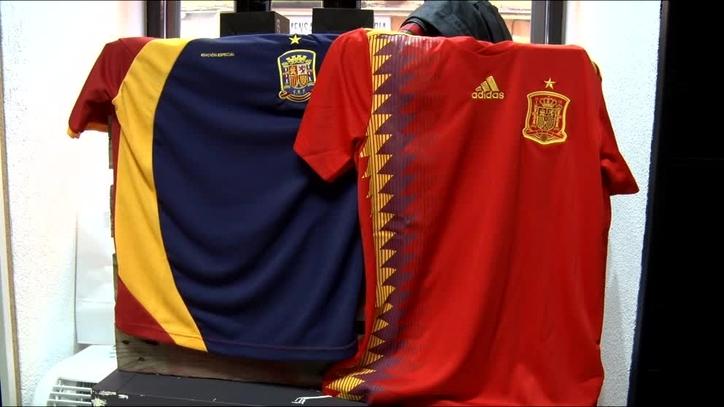 Selección de España  Ésta sí es la verdadera camiseta republicana de ... c65e04e81bc0b