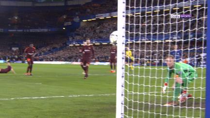 Chelsea vs Barcelona  Iniesta vuelve a rescatar al Barça - Champions ... fb73d5e1928ca