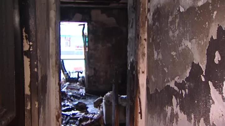 Resultado de imagen de un niño de 11 años salva a sus hermanos de un incendio