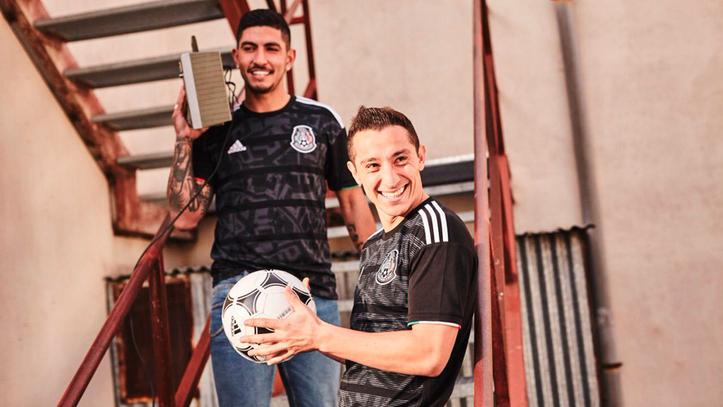 Selección Mexicana  La selección mexicana presenta la nueva playera ... 28e76941e4a09
