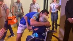 El emocionado saludo de Fred a Doña Alzira, la aficionada del Cruzeiro de 102 años