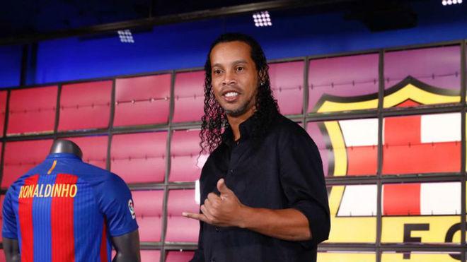 """Ronaldinho: """"La diferencia de este tridente es que no tienen envidia entre ellos"""""""