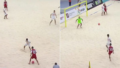 La maravilla del fútbol playa que tendrás que ver varias veces: el genial engaño que acabó en golazo