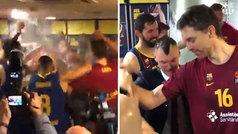 Baño de euforia en el vestuario del Barça: ¡Jasikevicius acabó pasado por agua!