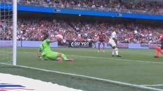 Buffon demuestra sus reflejos de 'cuarentón' en el PSG: ¡qué paradón de balonmano!