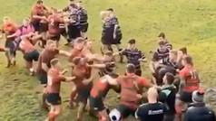 La madre de todas las peleas del deporte: multitudinaria batalla en un partido de rugby