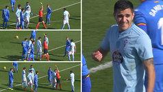 Maxi Gómez fue expulsado con una doble amarilla... ¡en un segundo!