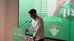 Álex Moreno no pudo contener las lágrimas en su presentación con el Betis