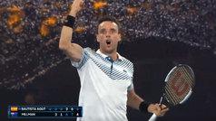 Bautista celebró con rabia su nueva victoria en cinco sets