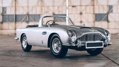 El Aston Martin DB5 de James Bond, a escala... con metralletas incluidas