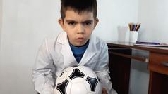 El peligroso fulbito clandestino de los recreos: el viral vídeo de un niño que arrasa