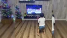 El niño de seis años que imita a Federer