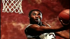 La NBA rinde homenaje a Kobe Bryant con un emotivo repaso en vídeo a su carrera