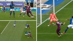 Otra lección de 'killerismo' de Mbappé: amaga centro, tira autopase y la clava sin ángulo... ¡de cañ