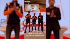 Los Márquez bailan en Indonesia