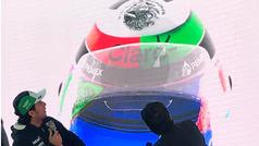 Checo Pérez presenta el casco que usará en el GP con detalles mexicanos