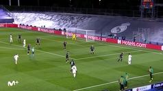 Gol de Benzema (2-0) en el Real Madrid 2-0 Borussia Mönchengladbach