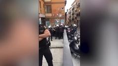 Polémica detención en Lavapiés con técnica similar a la de la muerte de Floyd