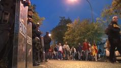 Máxima seguridad en Sevilla: así fue la llegada de los hooligans