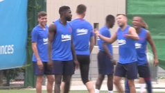 El 'troleo' de Rafinha a Umtiti en el entrenamiento del Barcelona