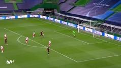 Así fue el posible penalti a Saúl que el VAR no revisó