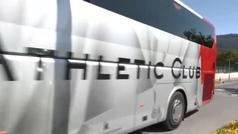 Lección aprendida: el bus del Athletic sale de Lezama sin aglomeraciones