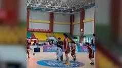 La china de 14 años y 2,26 que amenaza con dominar el baloncesto mundial
