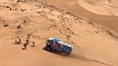 Un camión atropella a un espectador en el Dakar y continúa como si nada