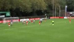 Xavi Simons ya se sale con Holanda sub 17: ¡golazo de falta ajustadito al palo!