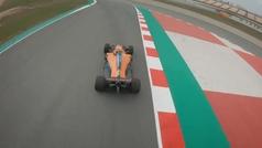"""Así """"vuela"""" el nuevo McLaren a vista de dron"""