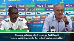 """Tite: """"No es lo mismo sacar a Rodrygo en el Real Madrid que aquí"""""""