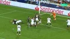 Gol de Pjanic (p.) (0-2) en el Valencia 0-2 Juventus
