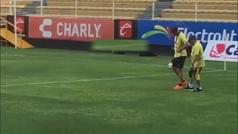 Preocupa Maradona: se presenta al entrenamiento sin casi poder caminar