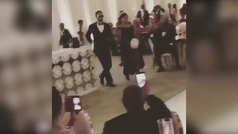 Curry se desmelena en la boda de su hermana; bailecito con su mujer
