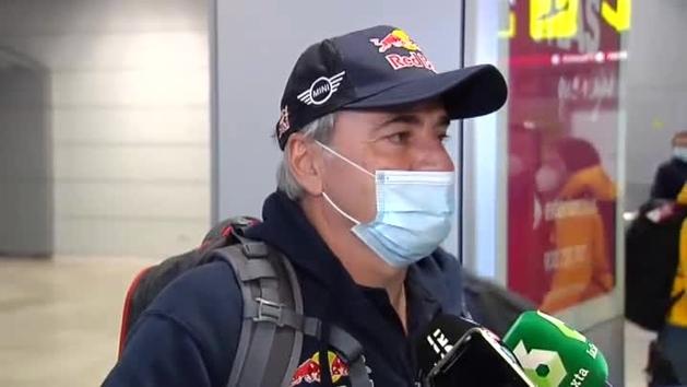 """Carlos Sainz, a su vuelta del Dakar: """"Si el año que viene sigue igual nos adaptaremos, si es que vol"""